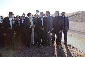 عکس/ بازدید رئیسی از طرح شبکه آبیاری خداآفرین