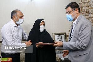 عکس/ دیدار رئیس بنیاد شهید با خانوادهی شهدا اهل سنت