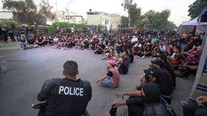 عکس/ اتفاقی جالب در تظاهرات خیابانی عراق