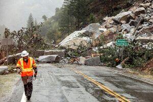 عکس/ کالیفرنیا گرفتار در طوفان و باران