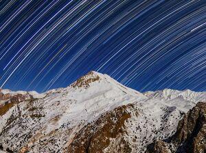 تصویری دیدنی از رد ستارگان در آسمان البرز