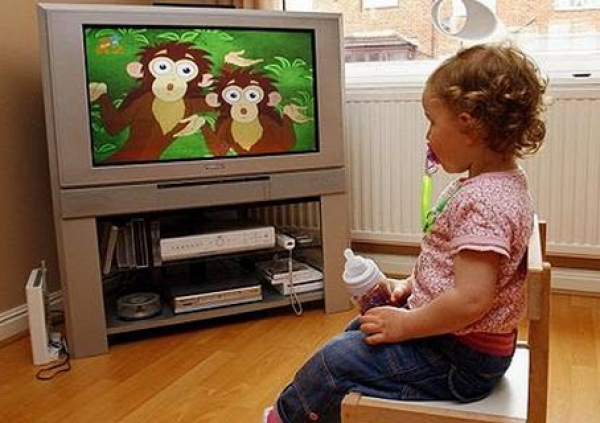 time wasting watching tv Watching television - a waste of time is a sheer waste of time but watching tv programs which is a waste of timei like watching television.
