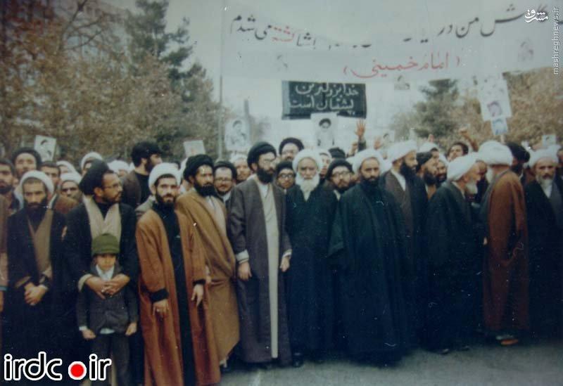 خاطره رهبر انقلاب از دروغی که به امام خمینی بسته شد