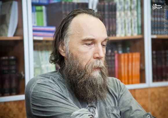 دلیل تشدید سیاستهای ضدغربی مسکو این مرد است