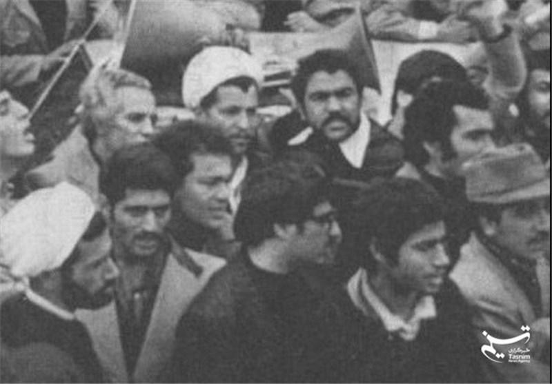 عکس/ هاشمی و باهنر در راهپیمایی قبل از انقلاب