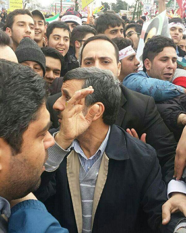 عکس/ احمدی نژاد در راهپیمایی پرشور 22 بهمن