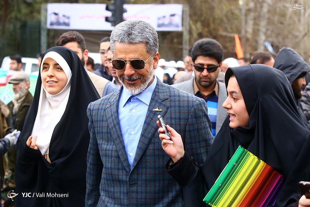 عکس/ امیر سیاری در راهپیمایی 22 بهمن