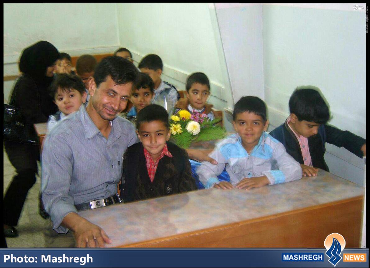 عکس/ «مدافع حرم» در کلاسِ اول دبستان