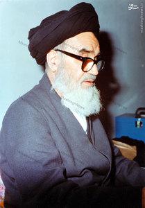 دفاع آیت الله خامنهای از حکم ارتداد سلمان رشدی در قلب اروپا+عکس
