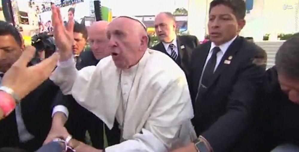عکس/ وقتی پاپ فرانسیس خونسردی خود را از دست میدهد