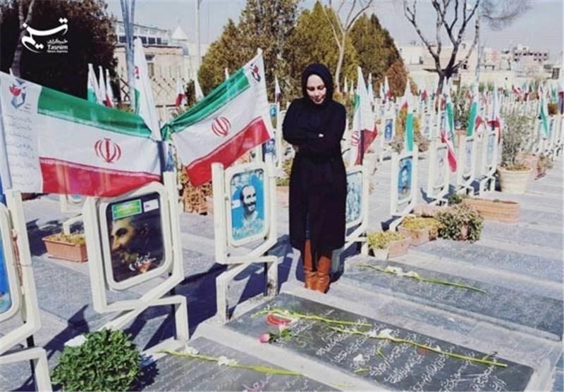 عکس/ بهنوش بختیاری بر سر مزار سرداران شهید