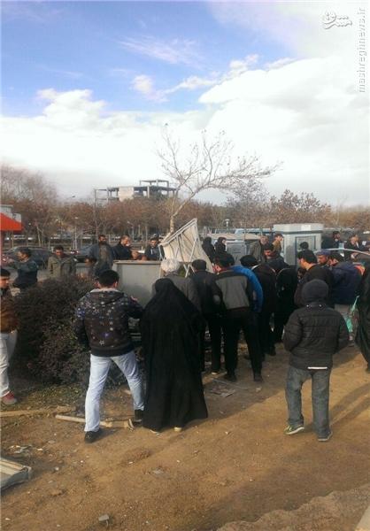 سقوط اتوبوس ازروی پل به اتوبان شهیدچمران+عکس