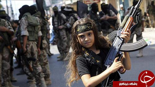 اعدام پنج زن به دست دختر بچه داعشی در عراق +عکس