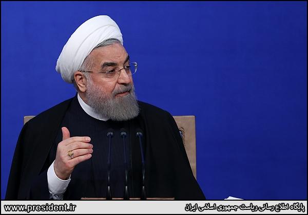 چرا روحانی مقابل فشار اصلاحطلبان عقبنشینی کرد؟