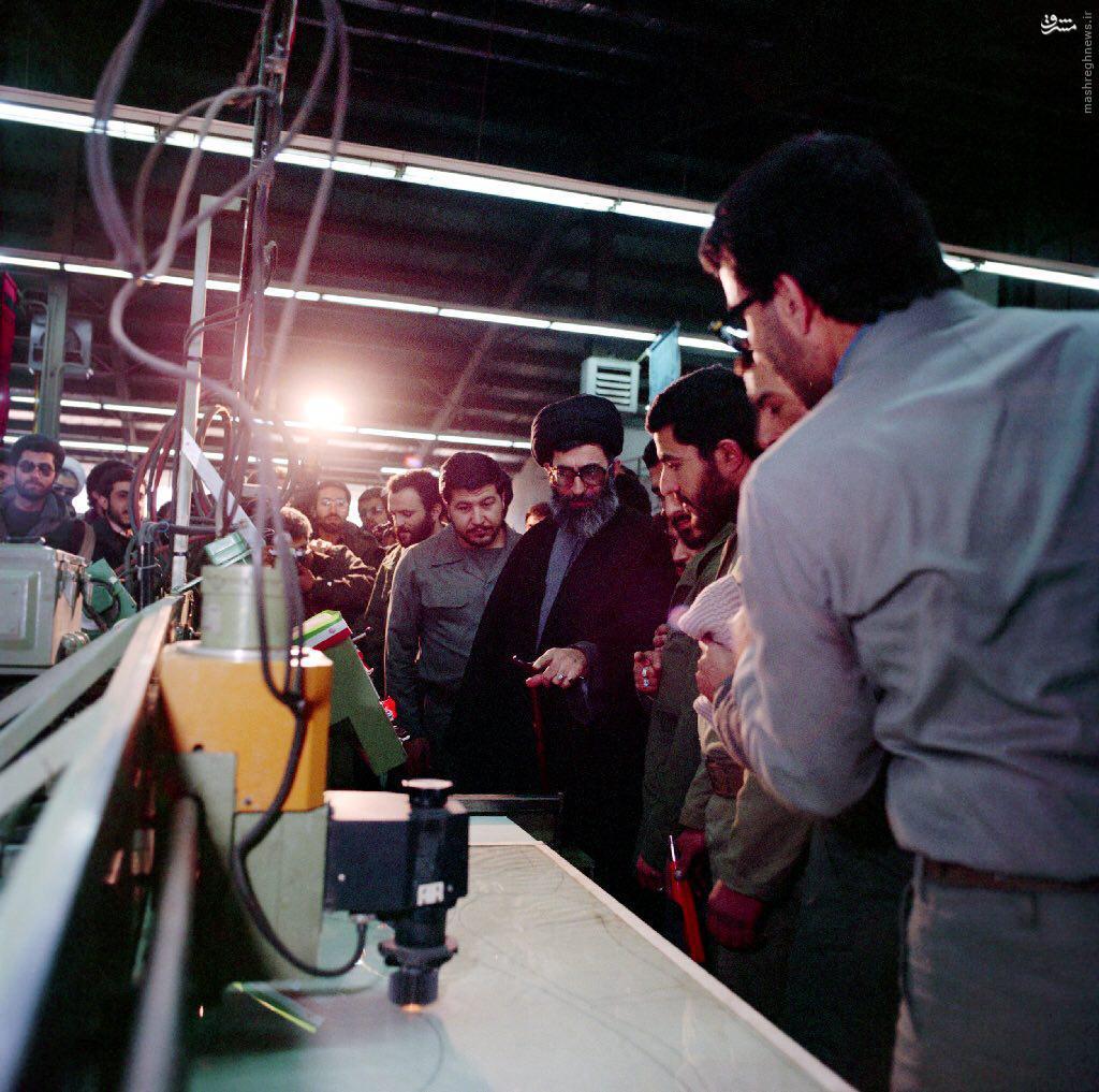 عکس/ آیتالله خامنهای در مراسم افتتاح صنایع اسلحهسازی الحدید سپاه