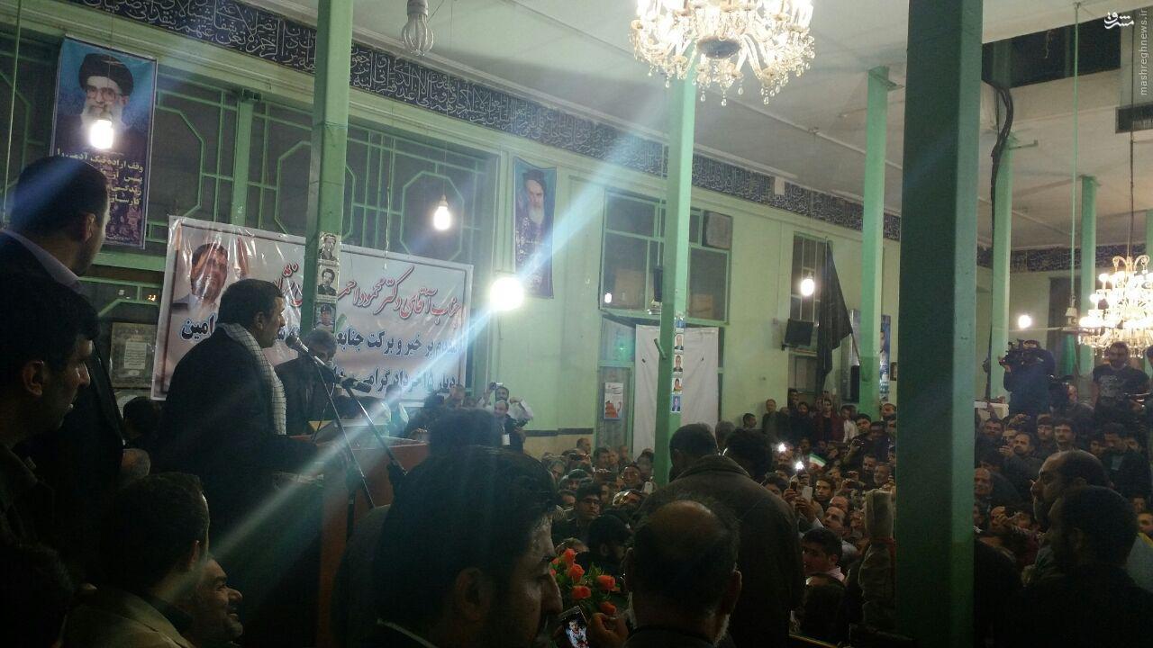 احمدینژاد: خیال کردند که بساطی درست کنند و چیزی رد و بدل کنند و پشت تریبونها قیافه فاتح بگیرند کار تمام شده است