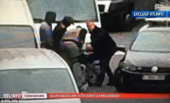 عکس/ لحظه دستگیری مرد شماره یک انفجارهای تروریستی پاریس