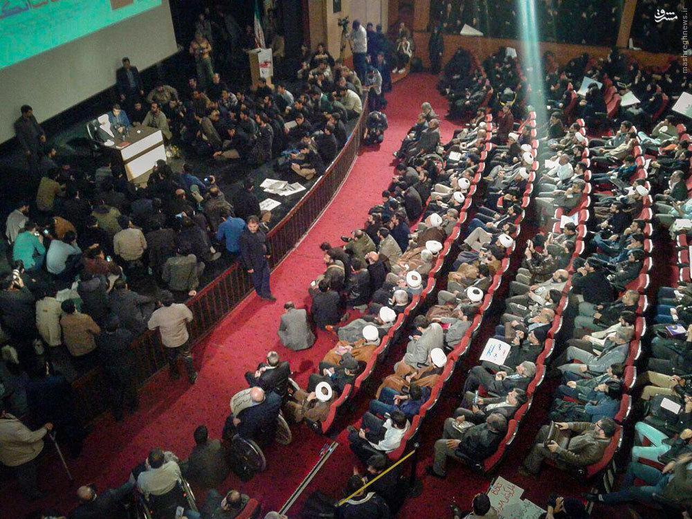 عکس/ استقبال پرشور از همایش انتخاباتی اصولگرایان