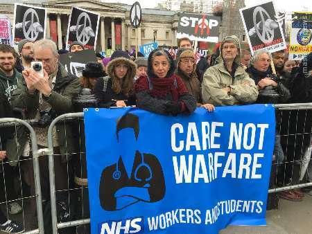 خروش مردم انگلیس علیه سلاح هستهای+تصاویر