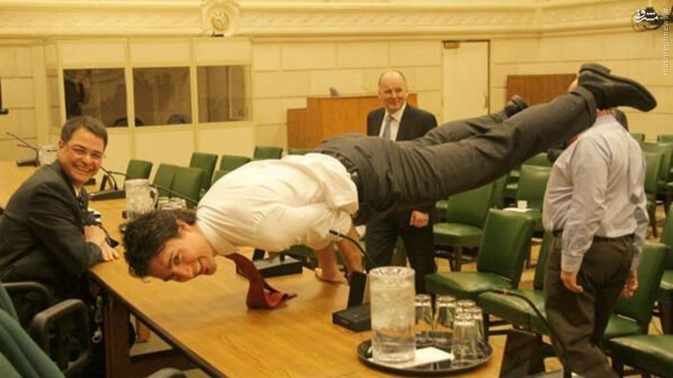 عکس/ حرکت آکروباتیک آقای نخست وزیر