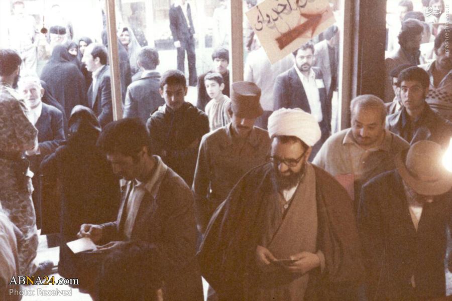 عکس/مطهری در حال رأی دادن به جمهوری اسلامی