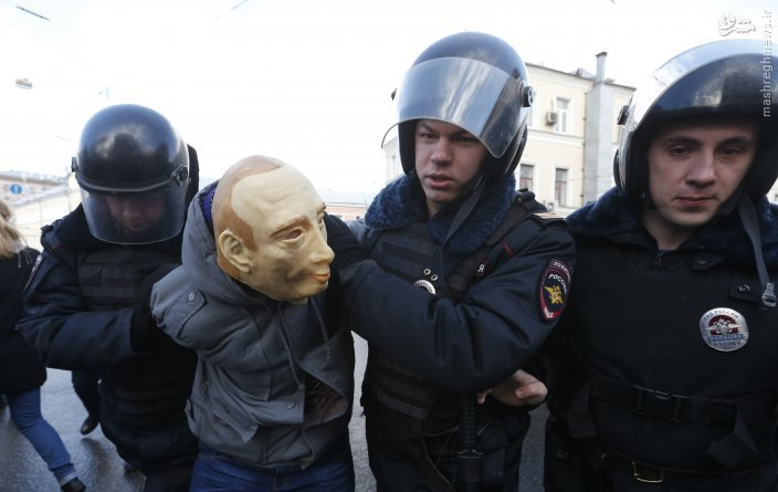 بازداشت بدل پوتین به دست پلیس روسیه /عکس