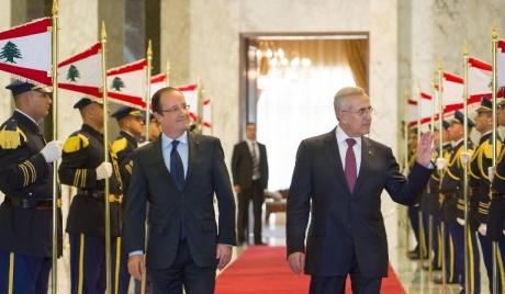 سفر آقای رئیس جمهور به کشوری که رئیس جمهور ندارد/ چرا اولاند به دنبال ملاقات با مقامات حزبالله است