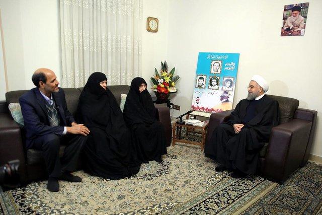 رییسجمهوری با خانواده شهیدان بغدادی دیدار کرد,