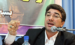 مخالفت حزب اعتمادملی با استعفای دبیرکل