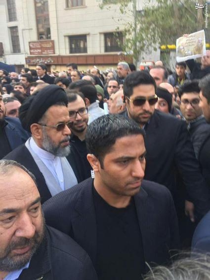 انتقال پیکر آیتالله هاشمیرفسنجانی به دانشگاه تهران/ آغاز مراسم تشییع/ اولین تصاویر از حضور گسترده مردم