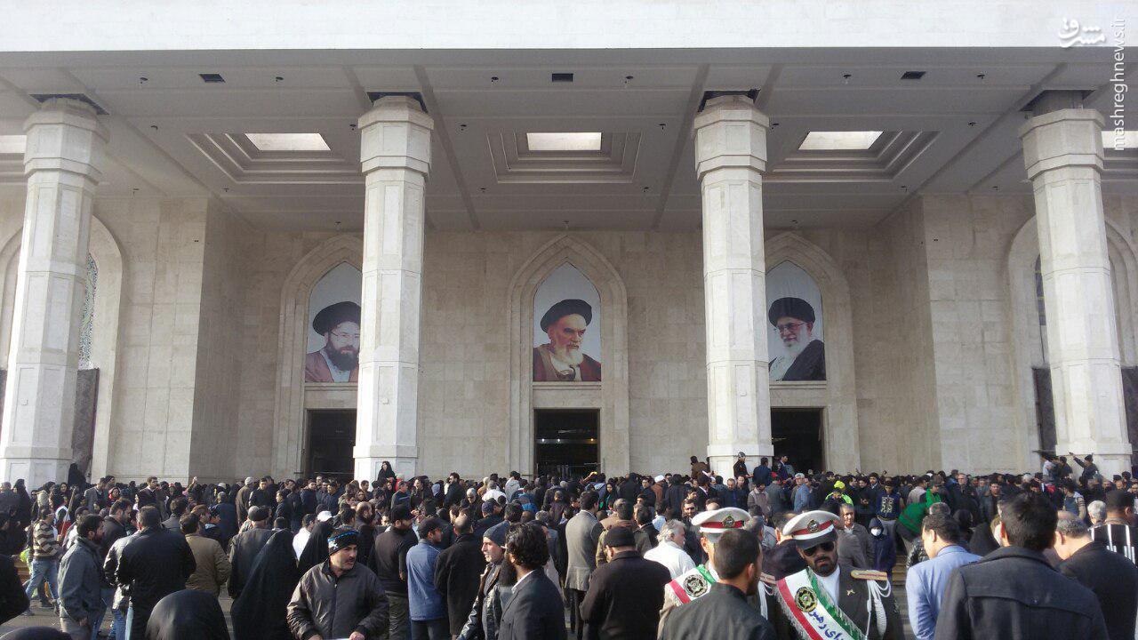 آماده شدن حرم امام راحل برای مراسم تدفین +عکس