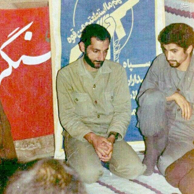 عکس/ پدرِ یک شهید مدافع حرم در کنار شهید باکری