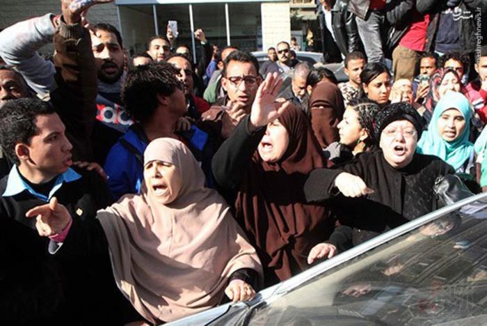 رسانههای مصری از آلسعود چه میگویند/ جزایری که با جنگ رسانهای پس گرفته شد/ وقتی مردم مصر دیگر پول عربستان را نمی خواهند +عکس و فیلم /آماده انتشار