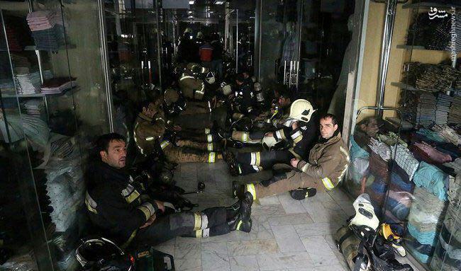 ساختمان پلاسکو فرو ریخت/ مصدومیت 38 نفر و محبوس شدن شمار بسیاری از آتش نشان/ مردم از اطراف پلاسکو دور شوند +تصاویر و فیلم