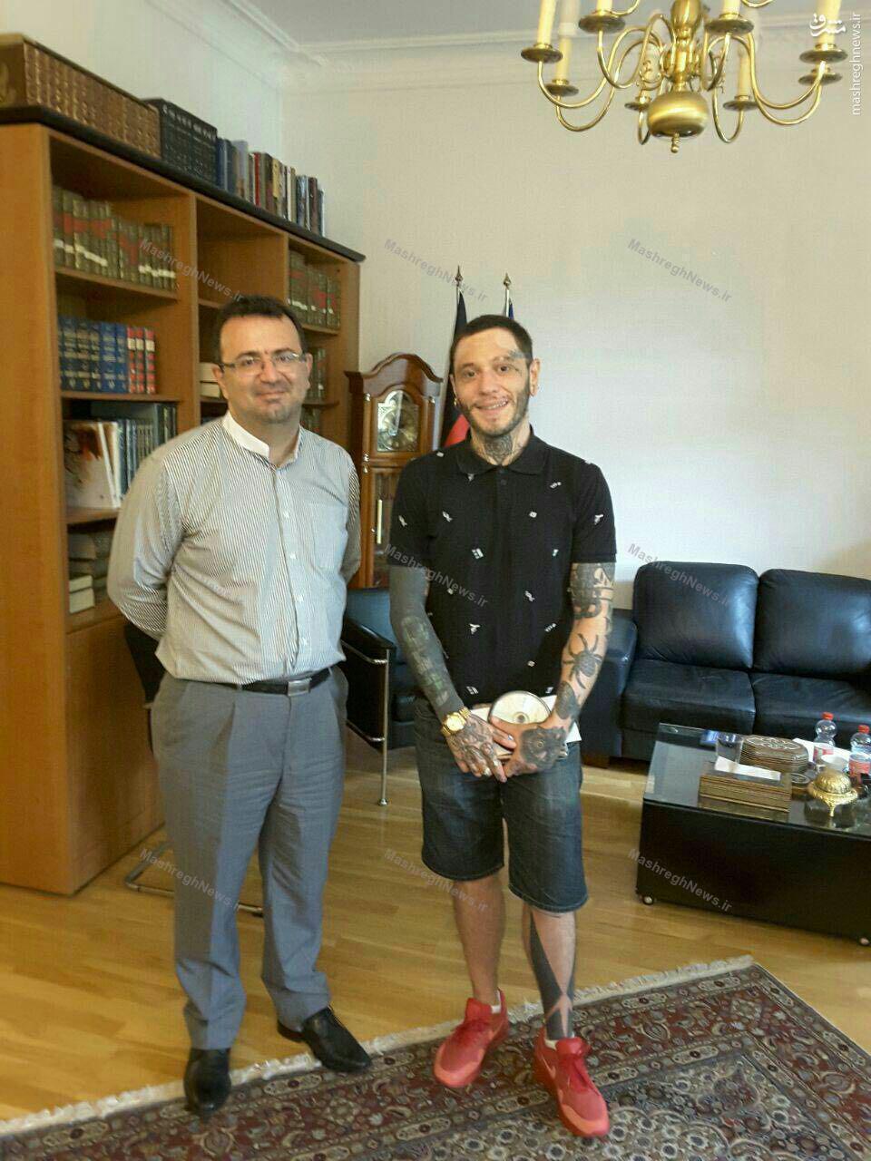سفارت ایران در آلمان ساخت مستند عاشورا را به یک مازوخیست داد؟! +عکس و سند