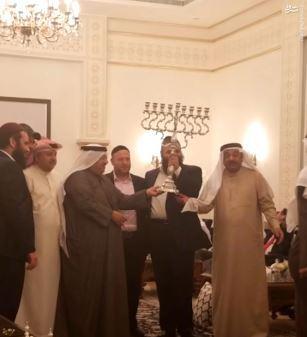 خانم سفیری که مراسم رقاصی صهیونیستها در منامه را برگزار کرد/ بازوی فرهنگی رژیم اسرائیل در بحرین چه میکند؟ +فیلم