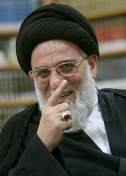 با میرحسین موسوی توافق شد تا در صداوسیما صحبت کند اما خناسان کار خودشان را کردند/ استدلال کروبی این بود که اگر ستادهای من به من رای میدادند بیشتر ازین مقدار میشد!