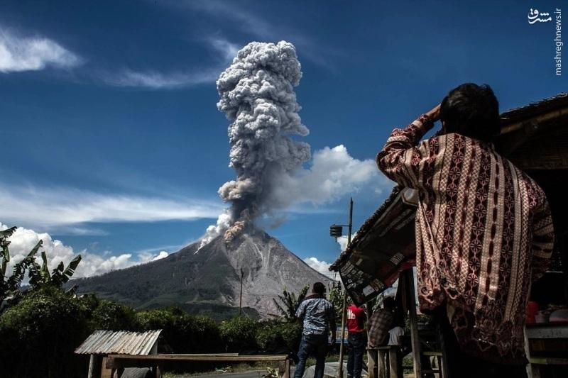 عکس| فوران آتشفشان در کوه سینابونگ اندونزی