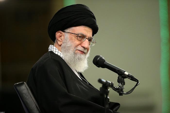 هیچ دشمنی نمیتواند ملت ایران را فلج کند/ مردم روز 22بهمن در خیابانها جواب تهدیدهای آمریکا را خواهند داد
