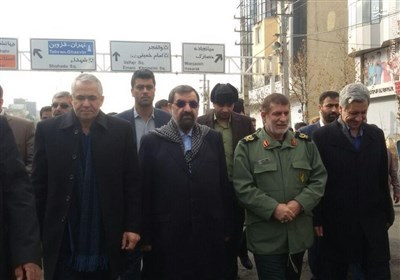 حضور اقشار مختلف مردم در راهپیمایی 22 بهمن/ تجدید میثاق مردم با آرمان های انقلاب +مسیرهای ۱۰ گانه