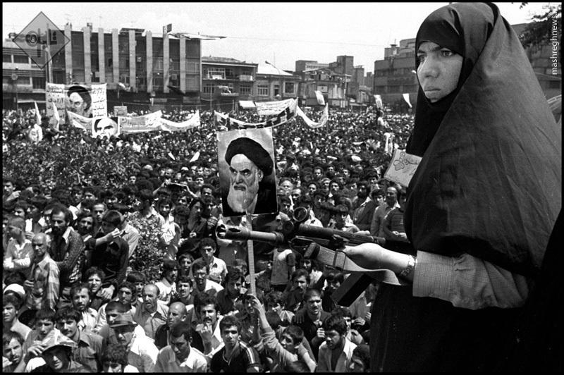 عکس/ زنان مسلح در انقلاب