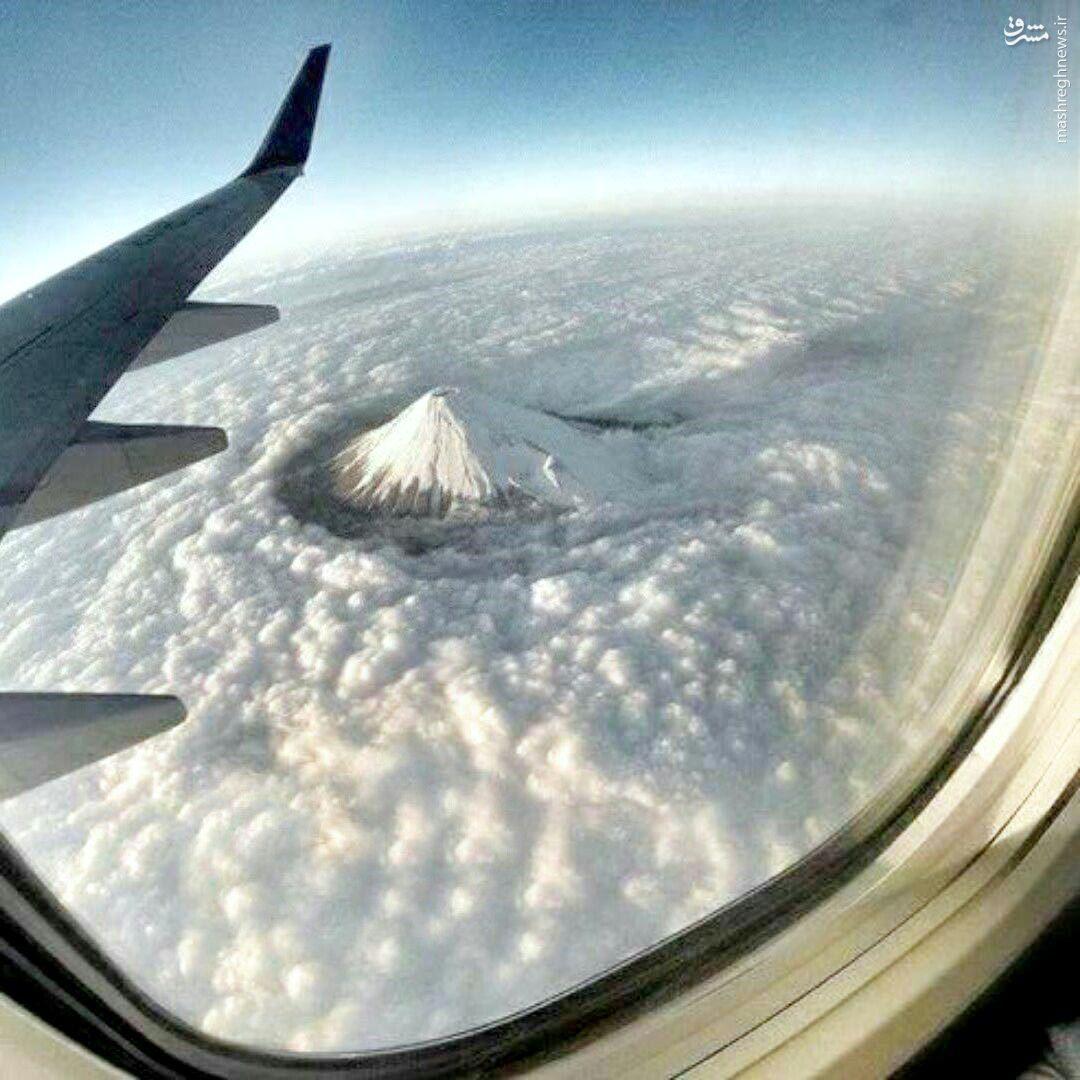 عکس/ نمایی دیدنی از قله دماند از فراز ابرها