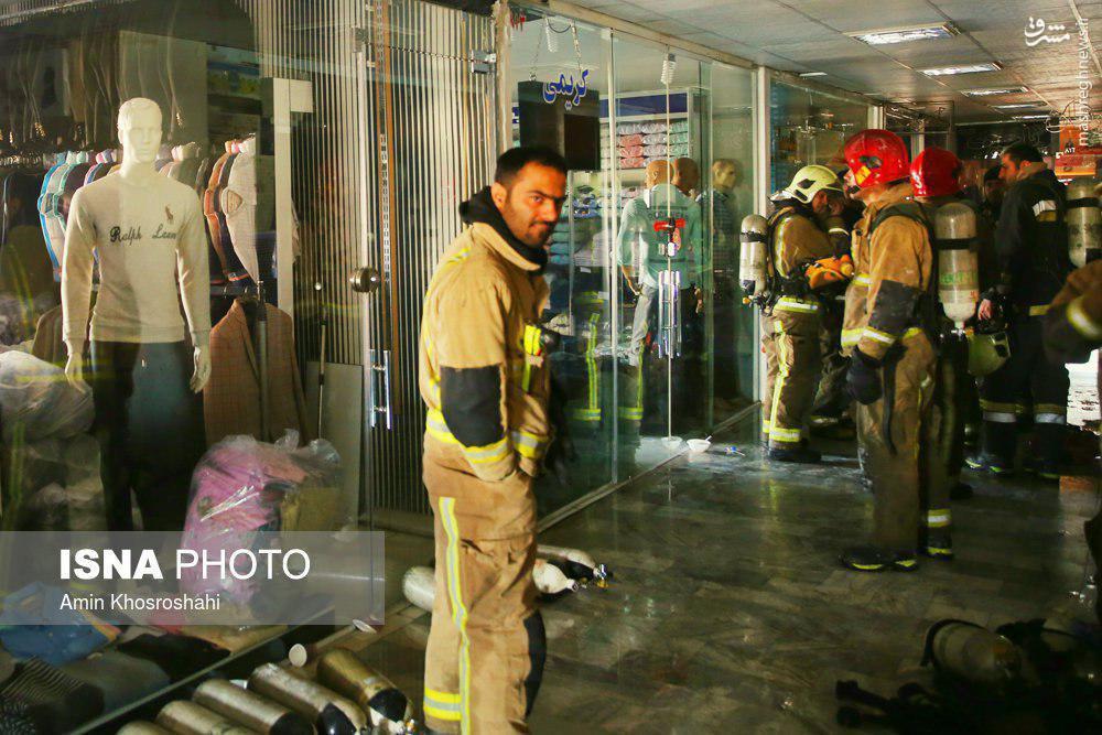 عکس/ آتشنشان شهید قبل از فروریختن پلاسکو