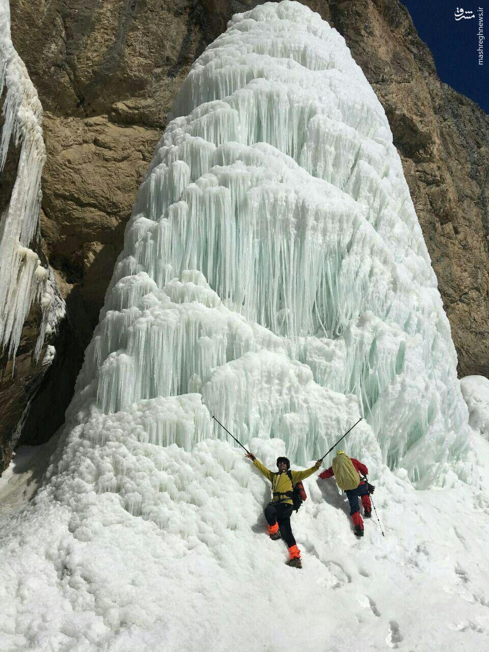عکس/ یخ زدن آبشاری در تهران