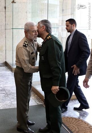 عکس/ دیدهبوسی فرماندهان سپاه و ارتش