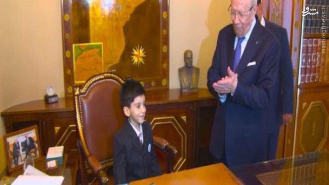 عکس/ کودک 5 ساله رئیس جمهور شد