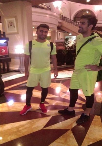 کارشکنی عربستانیها بازیکنان ذوب آهن را سرگردان کرد +عکس