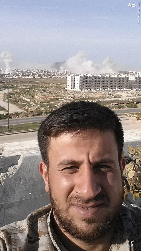 سلفی تروریست خندان با ویرانه حلب+عکس