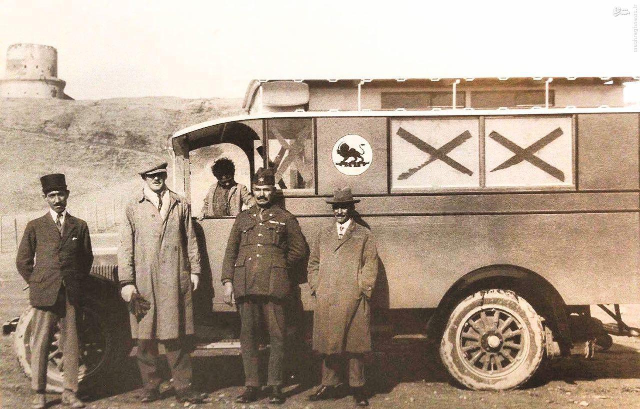 عکس/ آمبولانسهای 100 سال پیش
