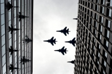 عکس/ پرواز تمرینی جنگندههای روسی بر فراز مسکو